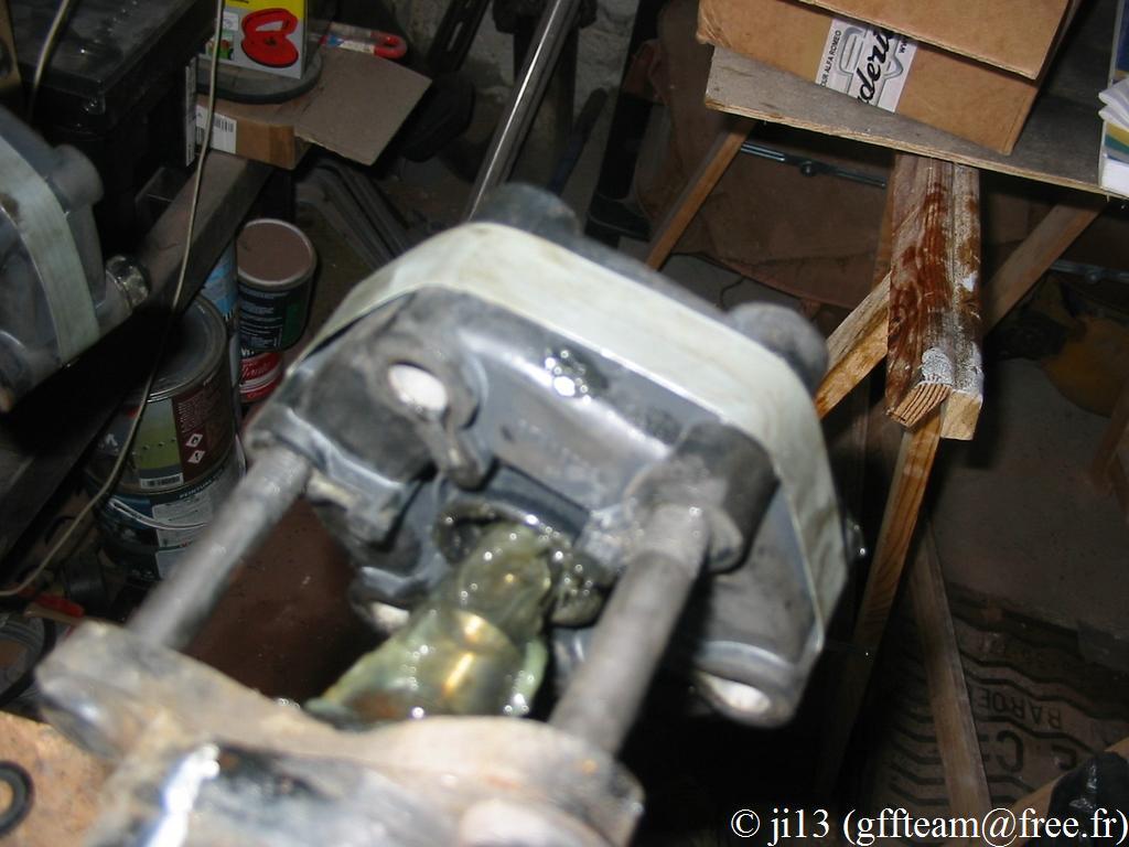 Jouet - Alfa 75 TS couleur ambulance - Page 4 Flectoravantpose1